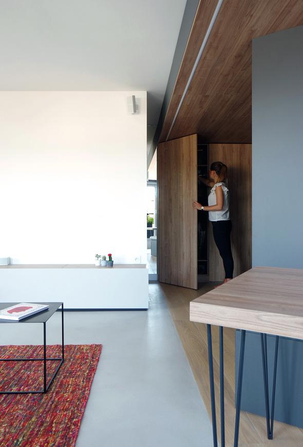 Appartement-contemporain-architecte-terrasse-agencement-sur-mesure-mobilier-design_Vue-entree