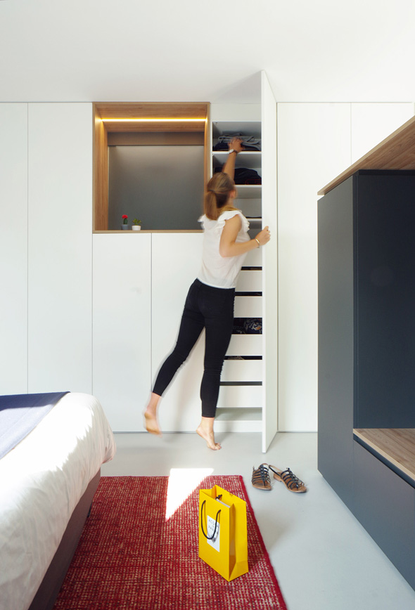 Appartement-contemporain-architecte-terrasse-agencement-sur-mesure-mobilier-design_Vue-rangement-chambre