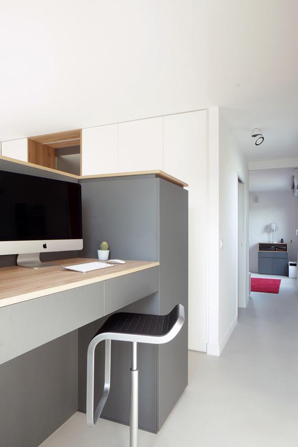 Appartement-contemporain-architecte-terrasse-agencement-sur-mesure-mobilier-design_detail-agencement-bureau