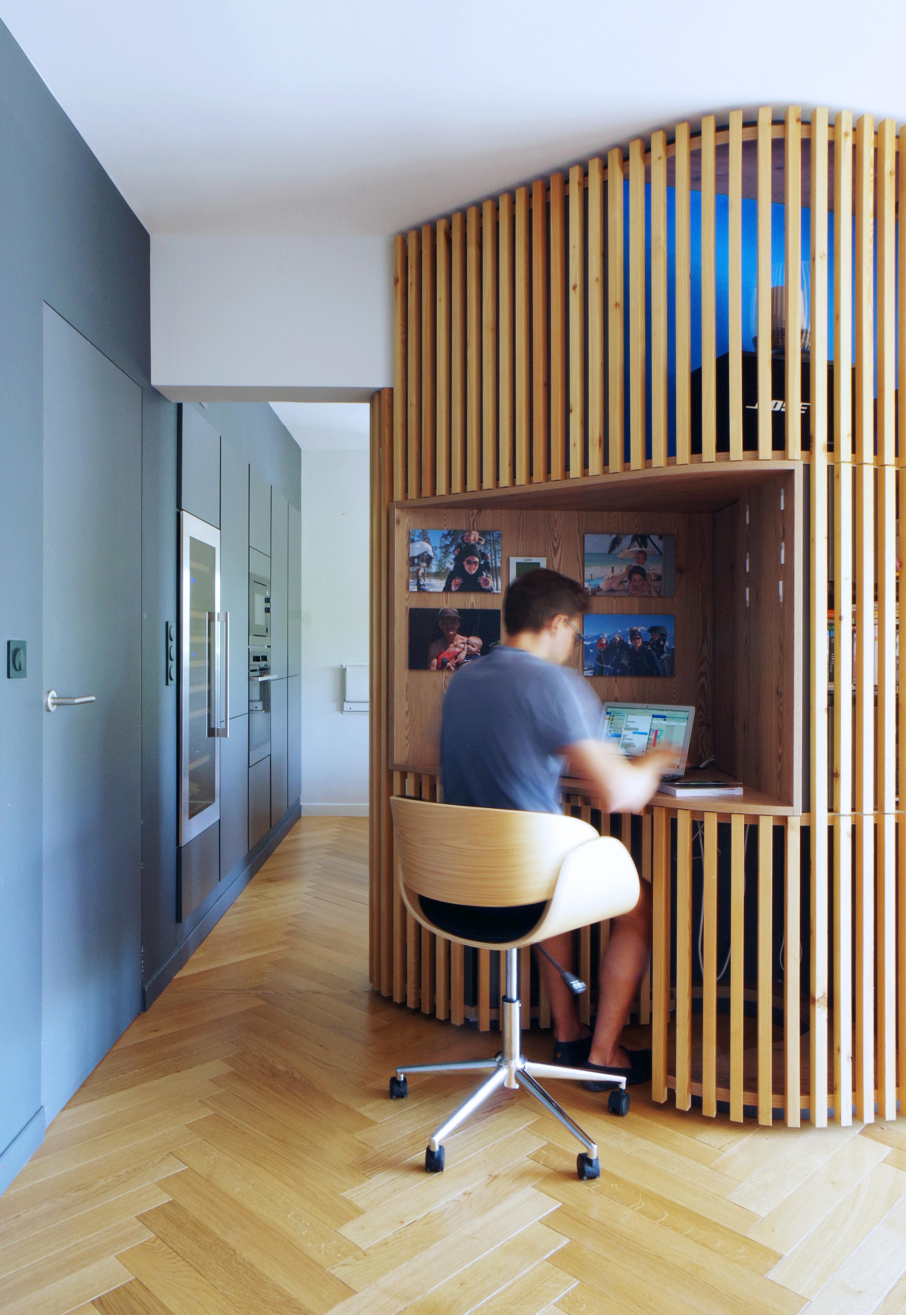 Appartement_Rénovation_Annecy_agencement_meuble-central_Bureau_bois_tasseau