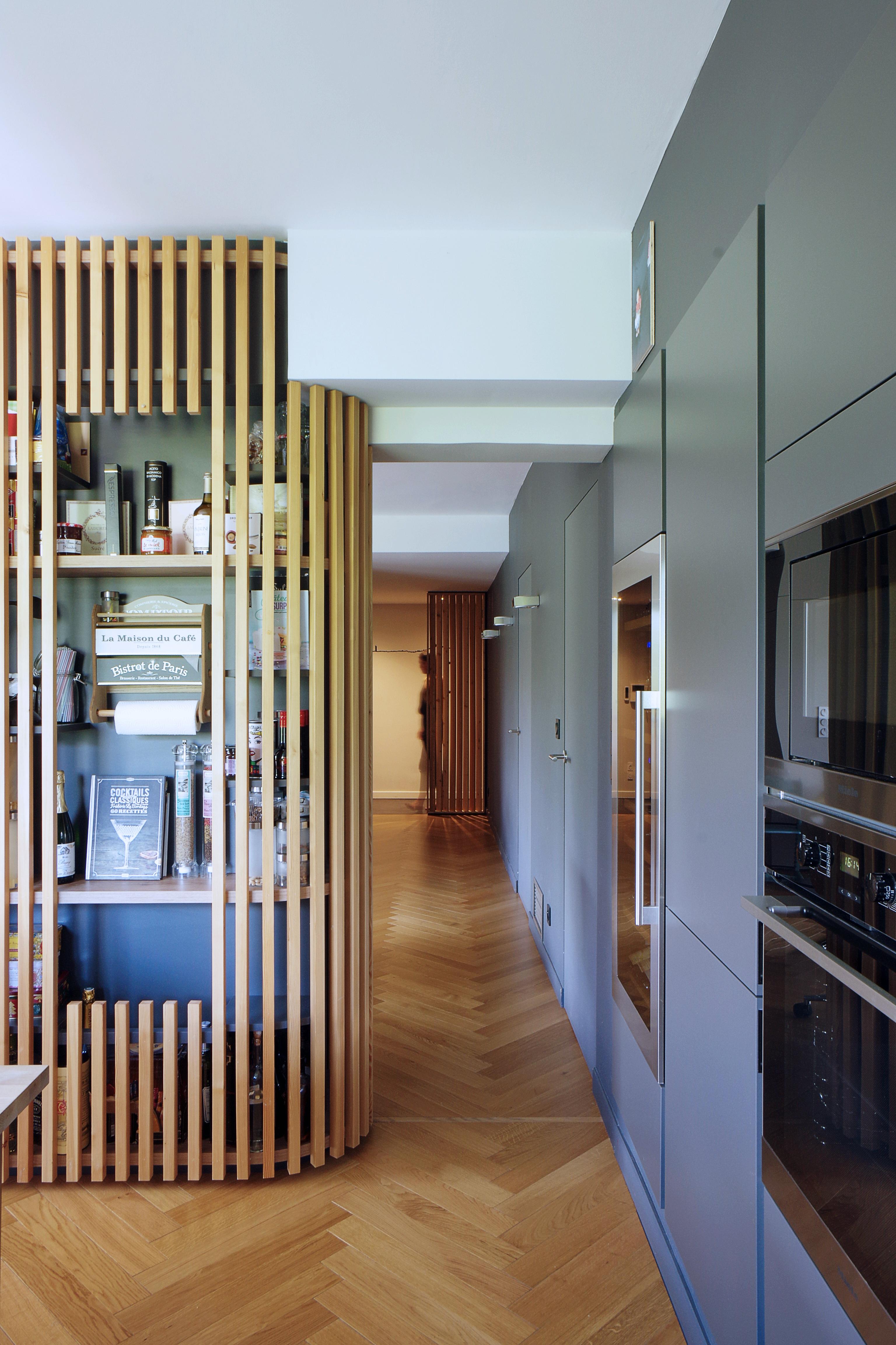 Appartement_Rénovation_Annecy_agencement_meuble-central_cuisine-niche_couleur_tasseaux
