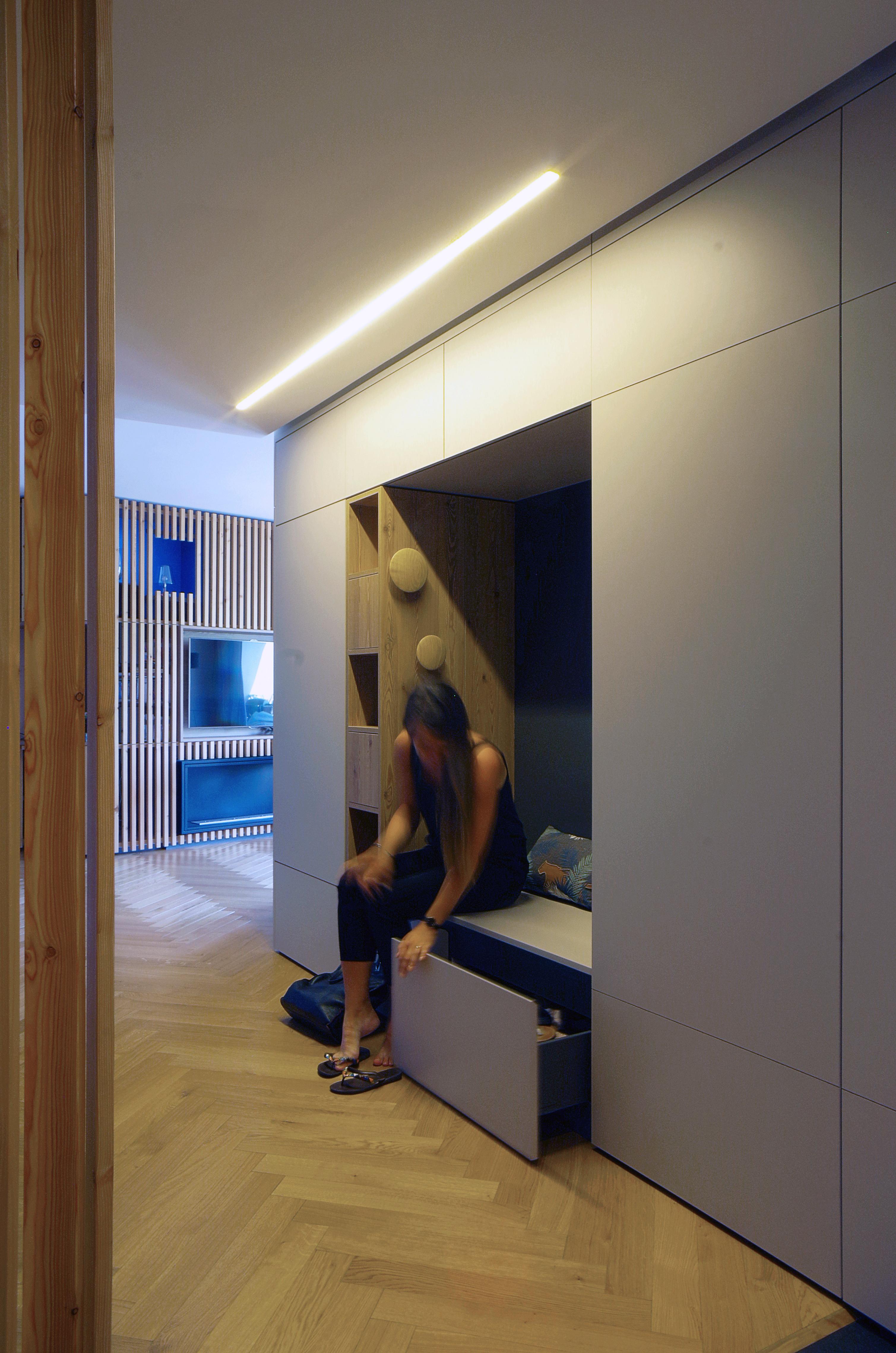 Appartement_Rénovation_Annecy_niche_agencement_entrée
