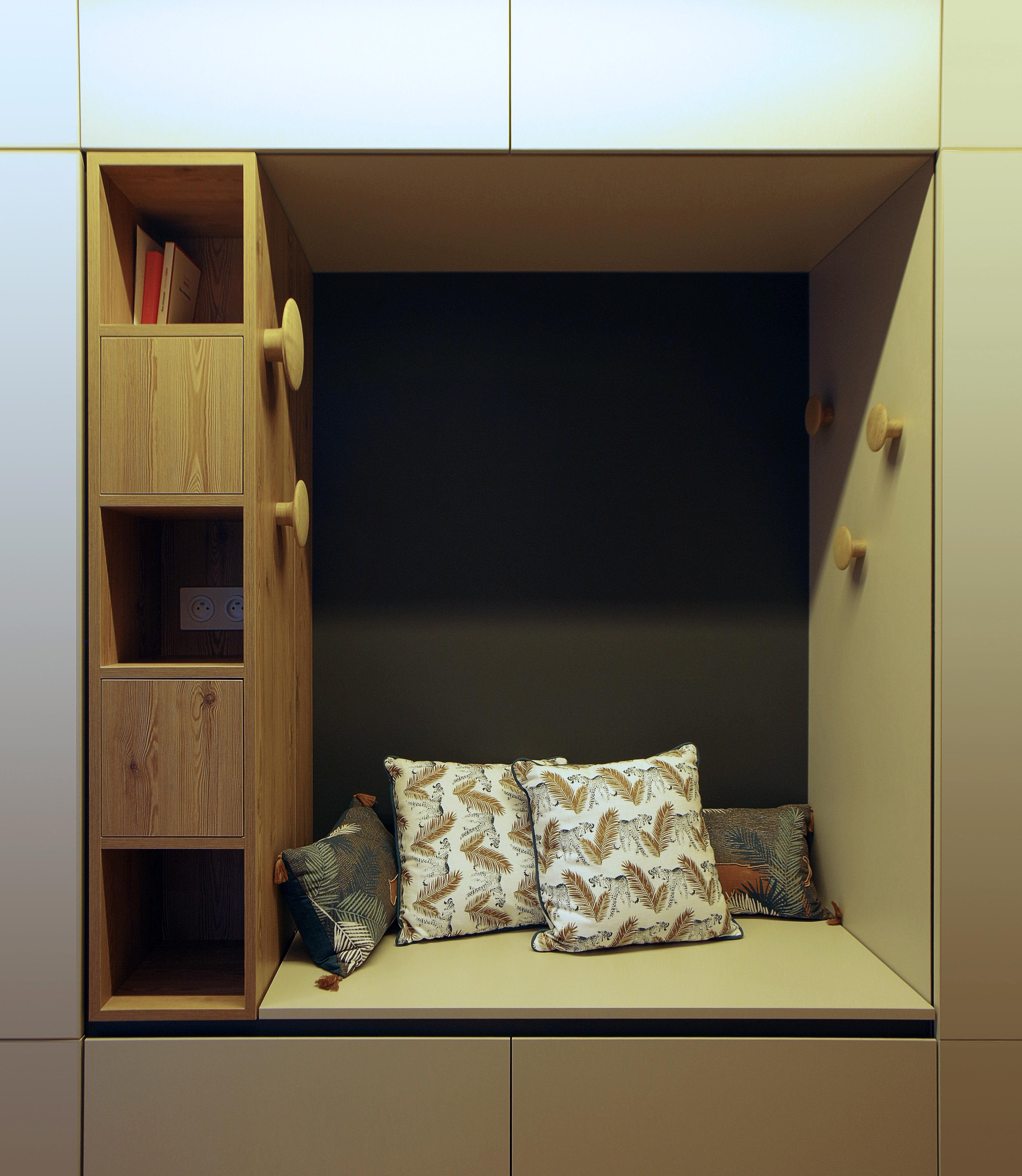 Appartement_Rénovation_Annecy_niche_agencement_entrée_rengement